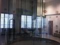Montaz-folii-bezpiecznej-na-pierwszym-w-Polsce-symulatorze-skokow-spadochronowych.jpeg